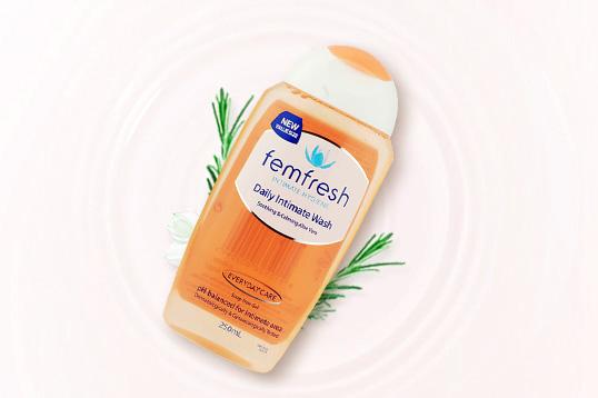 英国Femfresh女性私处护理液 温和止痒抑菌 洋甘菊/百合味 250ml